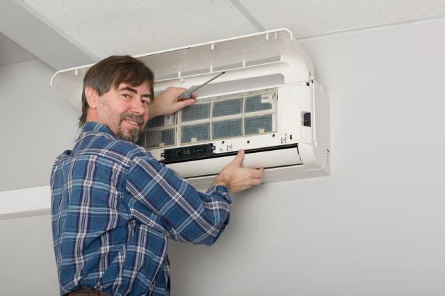 Купить кондиционер в квартиру и сколько он стоит на примере напольных и мобильных кондиционеров без воздуховода