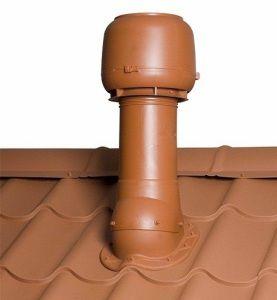 Правильно смонтированный проход вентиляции через металлическую крышу