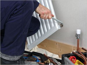 Для монтажа радиаторов своими руками понадобится специальный ключ