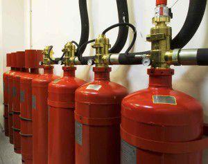 Для удобства использования газовые баллоны соединяют в единую батарею