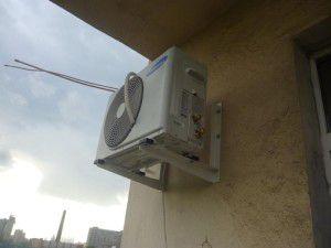 нормальное размещение блока с доступом к основным сервисным клапанам
