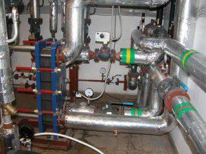 Распределительный узел водяного отопления промышленного здания