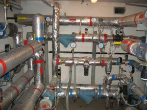 Распределительный узел отопления многоквартирного дома