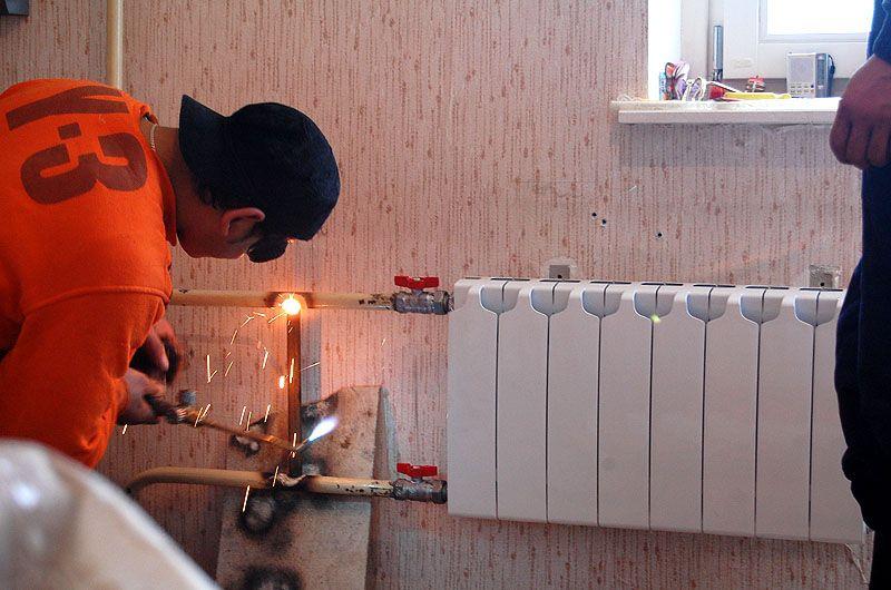 Заменяем радиаторы отопления дома