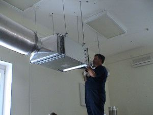 Вентиляция на шпильках