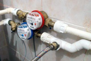 Зачем нужно проводить поверку и замену счетчиков воды и как это происходит на дому