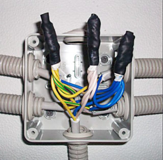 Как изолировать провода если кончилась изолента