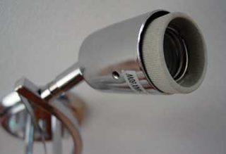 Существует ли патрон с пружинными контактами для подключения проводов