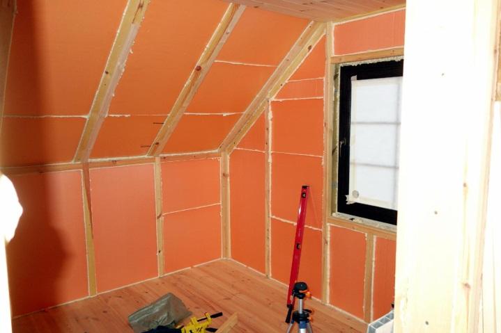 Можно ли утеплять деревянный дом Пеноплексом и как это сделать правильно