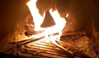 Печка сильно дымит что делать