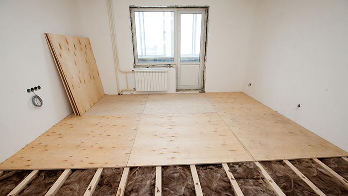 Как утеплить квартиру на первом этаже?