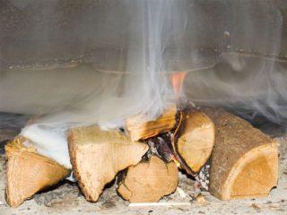 Что делать, если возникает обратная тяга в дымоходе частного дома. Причины возникновения и способы устранения