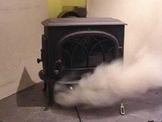 Как выбрать и использовать средство для чистки дымоходов